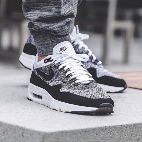 100% authentic 0b9b3 73a81 Nike Air Max 1 Ultra Flyknit OREO